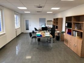 Hall entrepôt et bureaux Cahour à Devecey